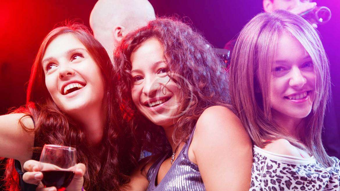 Special Offer: Free Drinks on Friday Nights